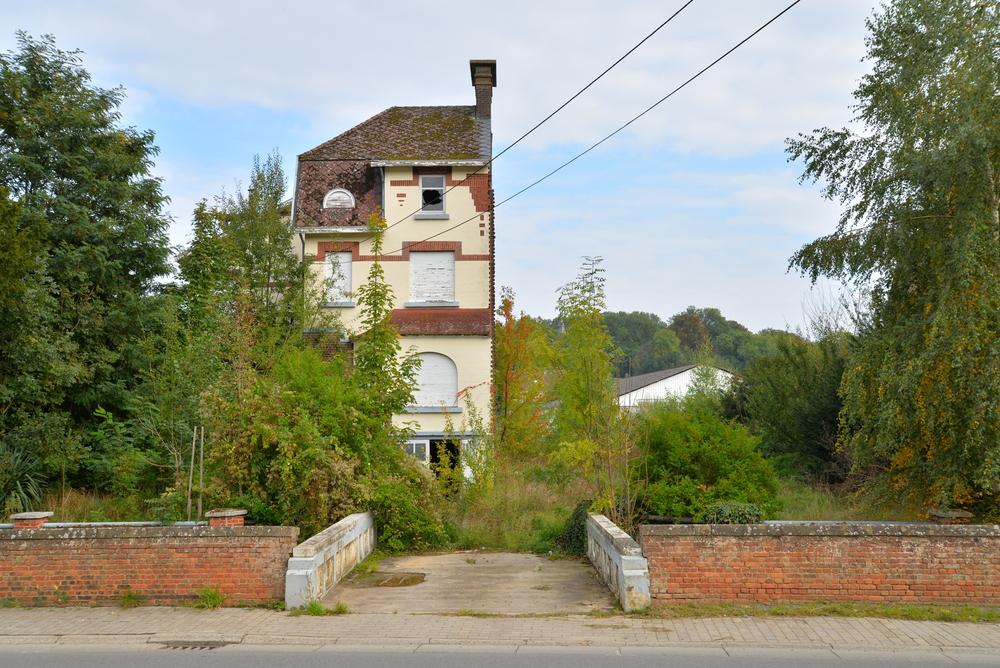 Half house
